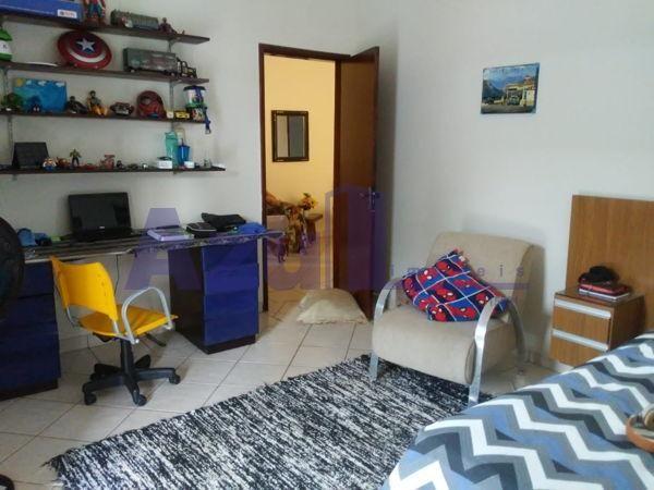 Casa sobrado com 4 quartos - Bairro Jardim da Luz em Goiânia - Foto 17