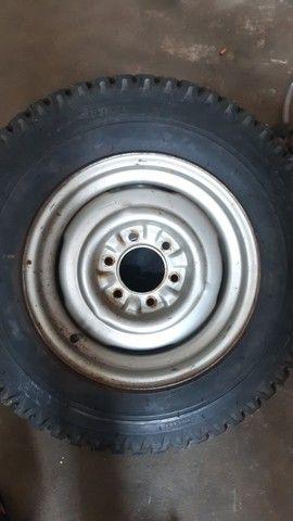 Rroda com pneu  - Foto 2