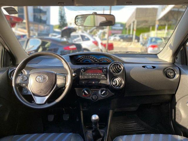 Toyota Etios 1.5 XS Sedan 2015 - Foto 6