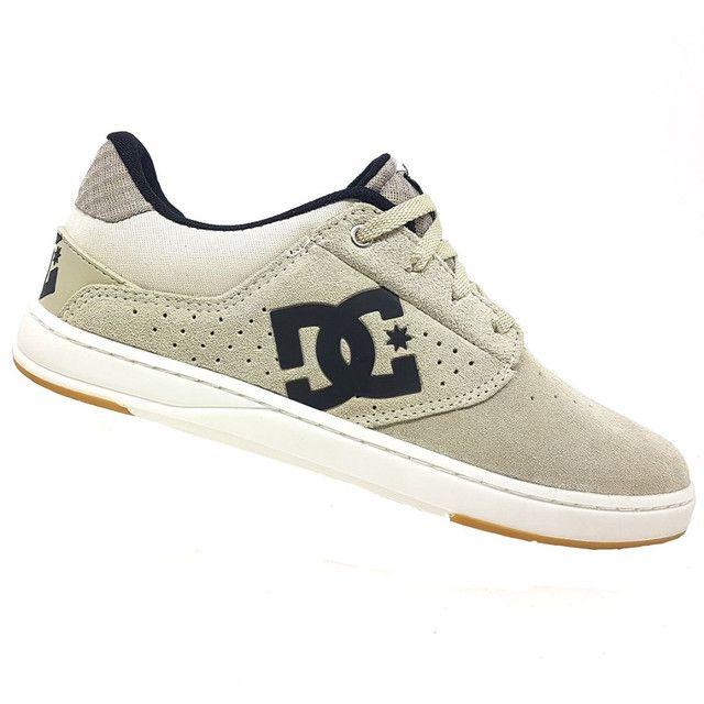 Tênis DC Shoes Plaza TC Couro Natural<br><br>