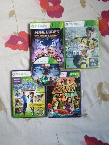 Xbox 360 4gb desbloqueado + Kinect + 2 controles sem fio + 5 jogos - Foto 3