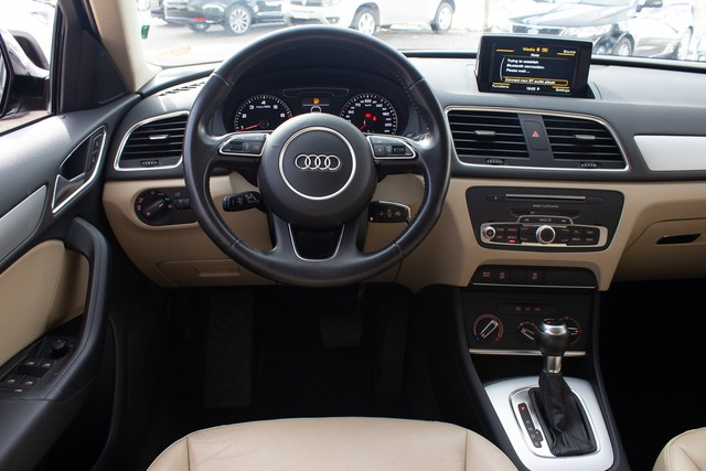Audi Q3 1.4 TFSI Attraction S Tronic (Flex) - Foto 10