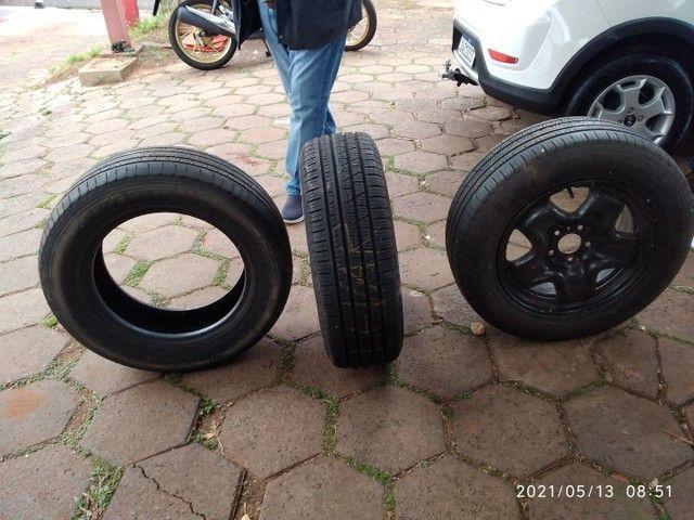 Vende se 2 pneus sem Aro e 1 com aro usados - Foto 11