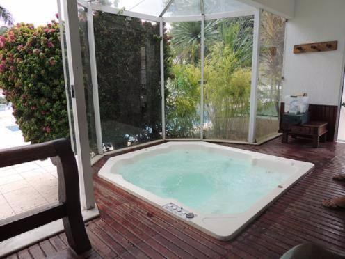 Pendotiba / Badu, Condomínio, alto padrão3 suítes, aquecimento digital, toda climatizada - Foto 9