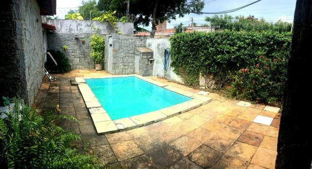 Casa plana na varjota, 3 suítes, esquina, 4 vagas de garagem, Piscina, próx Via expressa - Foto 10