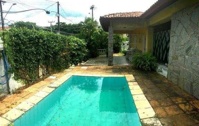 Casa plana na varjota, 3 suítes, esquina, 4 vagas de garagem, Piscina, próx Via expressa - Foto 8