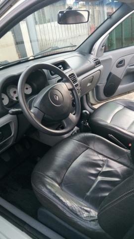 Clio Hatch - Foto 8