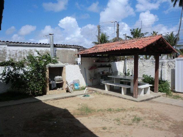 Casa com 5 quartos sendo 2 suíte, lado do mar e próximo a avenida em Pau Amarelo - Foto 2