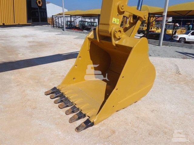 Escavadeira 320 d caterpillar 2013 unico dono otimo estado toda revisada - Foto 3