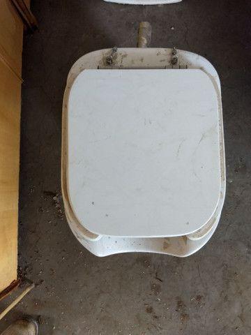 Vaso sanitário com assento para PNE  - Foto 2
