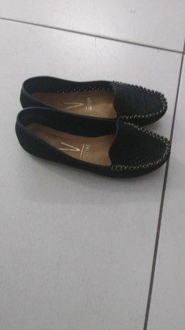 Sapatos tamanho especial 33/34