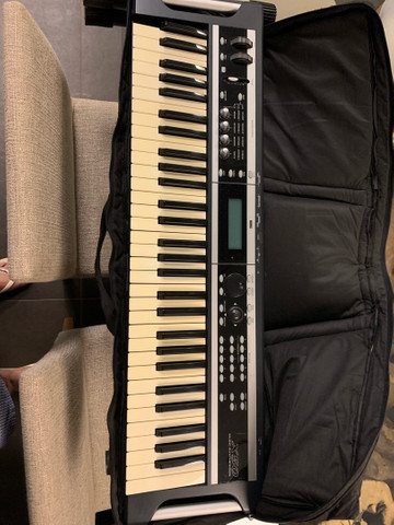 Sintetizador Korg X 50 - Foto 4