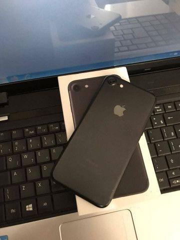 Vendo ou troco iPhone 7 128GB por outro iPhone 8, xs xr, com volta. - Foto 2