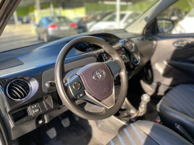 Toyota Etios 1.5 XS Sedan 2015 - Foto 5