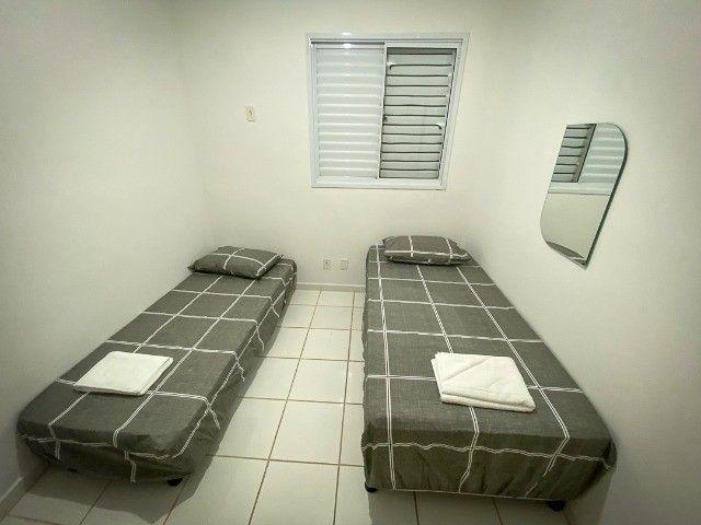 Locação Por Temporada) Apartamento mobiliado - Foto 6