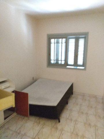 Alugo Apartamento 2 dormitórios, banheiro social com hidro, semi mobiliado - Foto 3