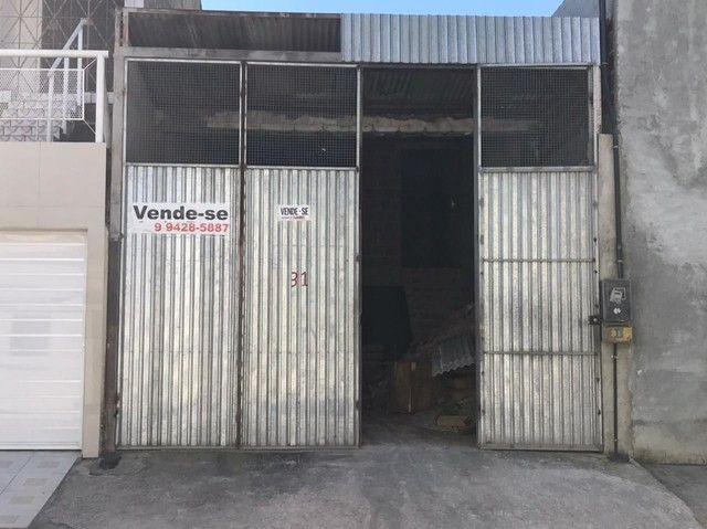 Vende-se Casa no Bairro Petrópolis