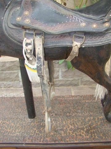 Cavalo de carrossel antigo - Foto 3