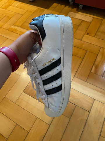 Tenis Adidas superstar tamanho 36 - Foto 4