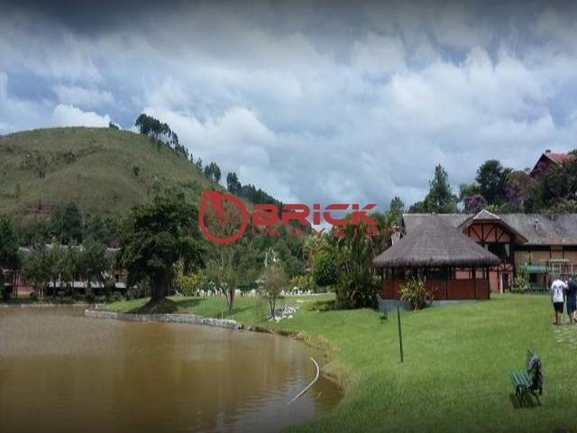 Terreno com 1.400 m² no condomínio green valley