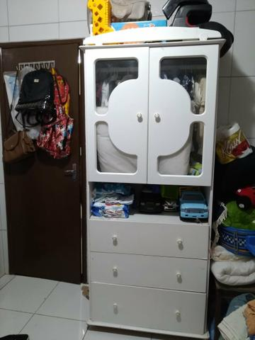 Combo: Guarda roupa e cômoda