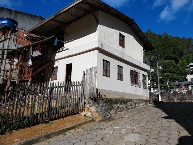 Casa de esquina em Santa Isabel, Domingos Martins