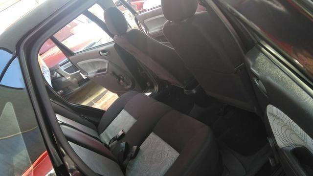 Ford Fiesta Sedan 1.6 (Flex) 2008 - Foto 13