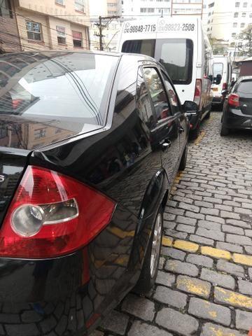Fiesta Sedan 1.6 Muito Novo ! - Foto 2