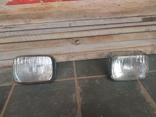 Vendo grade e faróis Fiat 147 - Foto 2