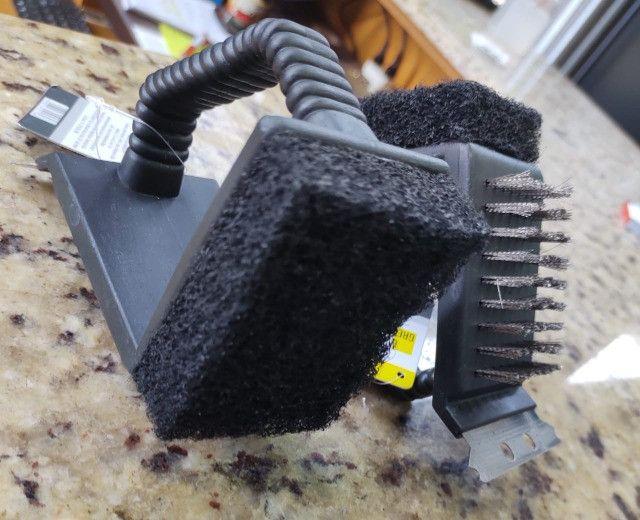 Escova de Aço, com Espátula e Esponja Com e Sem Cabo, Para Limpar Grelha de Todos os Tipos - Foto 4