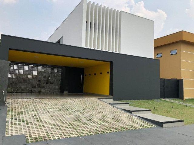 """Vendo Casa contendo 4 suítes - Condomínio Ecoville """"Construção Nova"""""""