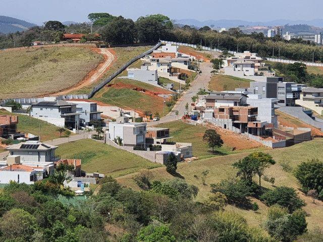 Vendo 2 terrenos contíguos em Bragança Paulista