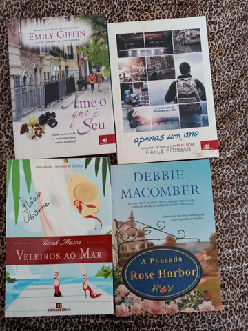 Coleção de livros - Foto 3