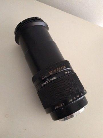 Lente Sony 18-250 original DT 18-250  F3.5-6.3 - Foto 2