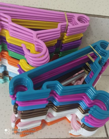 Cabides com presilhas e cabides infantil - Foto 3