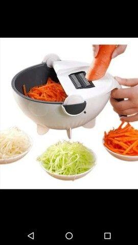 Ralador, Cortador, Fatiador de Legumes e Escorredorde alimentos.<br><br>? - Foto 2
