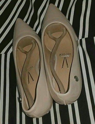 Sapatos semi novos, tamanho 36 37 E 37 38  - Foto 4