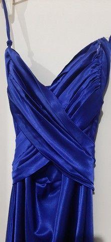 Vestido de festa tomara que caia midi azul acetinado  - Foto 2