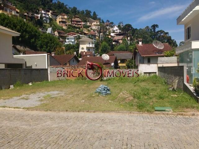 Excelente terreno plano com 331 m² em condomínio alto padrão em teresópolis - Foto 2