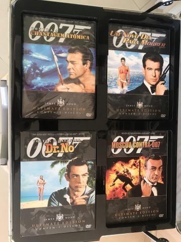 Maleta com 21 DVDs do 007
