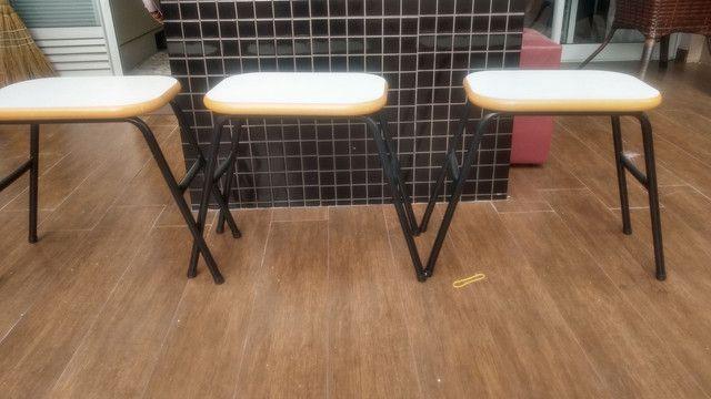 3 banquetas para cozinha 0,45 cm alturas 0,40 cm de largura