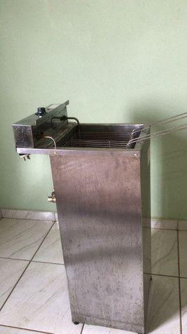 Fritadeira elétrica profissional Água e óleo 18 litros - Foto 2