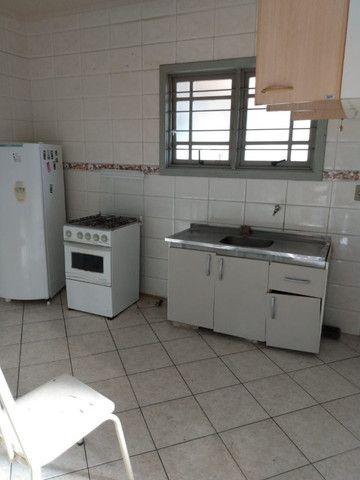 Alugo Apartamento 2 dormitórios, banheiro social com hidro, semi mobiliado - Foto 9
