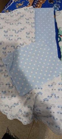 Lote de lençol para berço e almofada de amamentação  - Foto 3