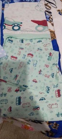 Lote de lençol para berço e almofada de amamentação  - Foto 2