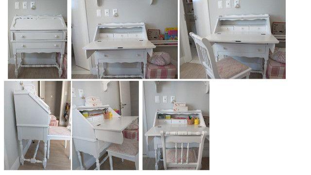 Escrivaninha laqueada com cadeira R$500,00