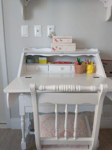 Escrivaninha laqueada com cadeira R$500,00 - Foto 4