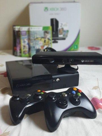 Xbox 360 4gb desbloqueado + Kinect + 2 controles sem fio + 5 jogos - Foto 4