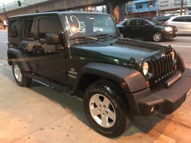 Jeep Wrangler 3.6 Unlimited Sport 4X4 V6 Gasolina 4P Automático 2012
