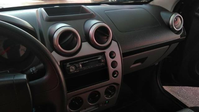 Ford Fiesta Sedan 1.6 (Flex) 2008 - Foto 10